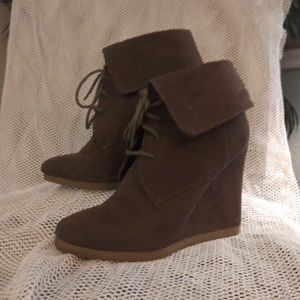 Mossimo Cuffed Wedge Heel Ankle Booite
